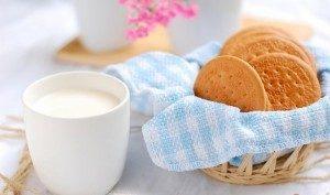 7 Makanan yang Efektif Membersihkan Lidah